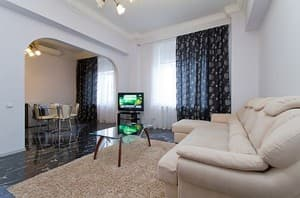 Hotels . Hotel Two-Room Apartment on Khreshchatyk Street, 23.
