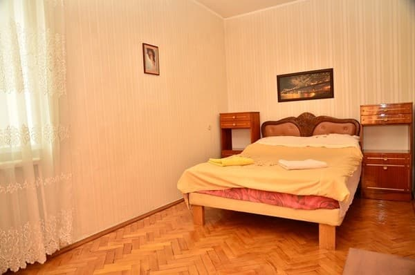 Apartment Apartment Three-Room Apartment on Baseina Street, 11, Kyiv: photo, prices, reviews