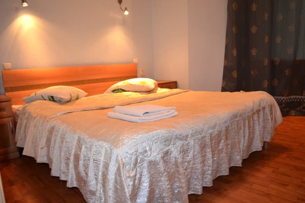 Apartment Apartment Two-Room Apartment on Mykhailivskyi Lane, 9 A, Kyiv: photo, prices, reviews