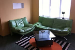 Hotels  Zaporizhia. Hotel Apartment Three-room Apartment on Tsentralnyi Blvd, 4