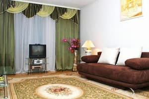 Hotels Kyiv. Hotel Apartment Two-Room Apartment on Mykhailivska Street, 2