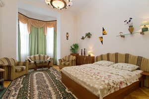 Hotels Kyiv. Hotel Apartment One-Room Apartment on Mykhailivskyi Lane, 9 A