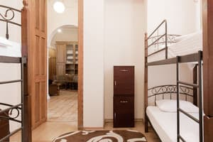 Hotels . Hotel 4-bedded mixed dormitory room (107436202).