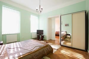 Hotels Lviv. Hotel Apartment Apartment on Shopena Street, 5