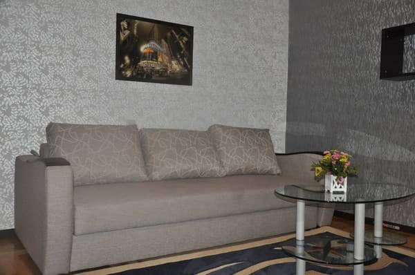 Apartment Apartment One-room on Kirova Str, 45,  Melitopol: photo, prices, reviews