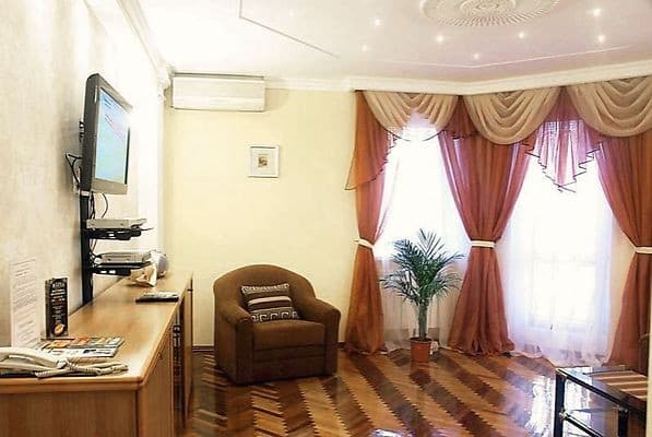 Apartment Apartment Two-room apartment on Spaska Str, 25/17, Kyiv: photo, prices, reviews