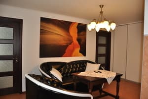 Hotels  Melitopol. Hotel Apartment Apartment with jacuzzi on Hoholia Str, 138