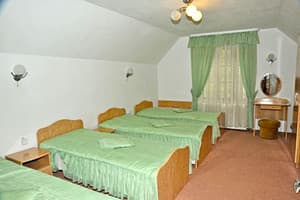 Hotels . Hotel Room for 4 people with kitchen 7/2.