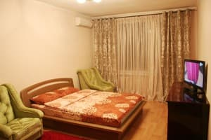 Hotels Kyiv. Hotel Apartment on Lva Tolstoho Street, 33