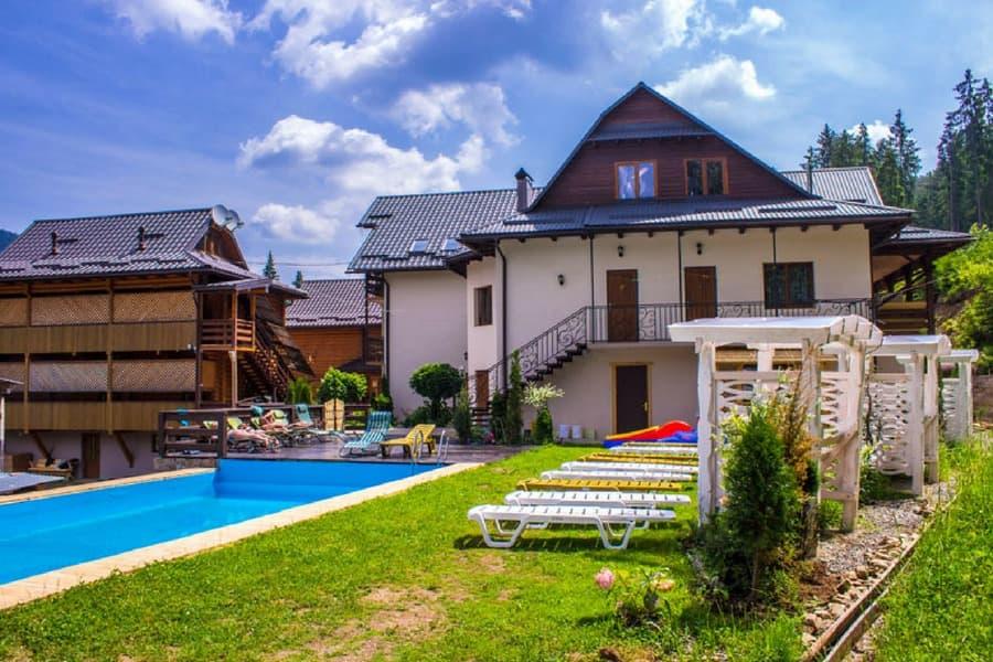 Отели Карпат с бассейном | hotels24.ua