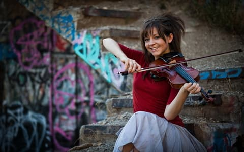 Виртуозная скрипачка Lindsey Stirling