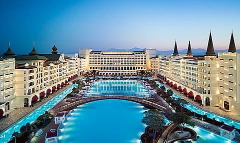 Самый дорогой отель открылся в Турции