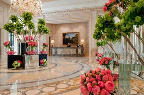 "Отель ""Four Seasons Hotel George"" в Париже"