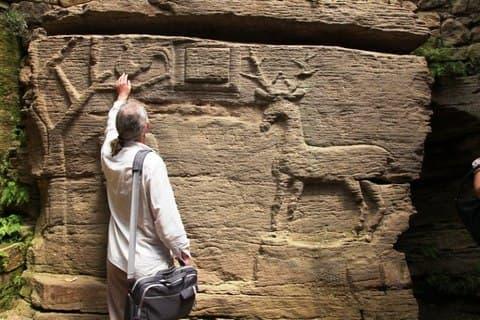 Бушанській скельний храм на Вінничині