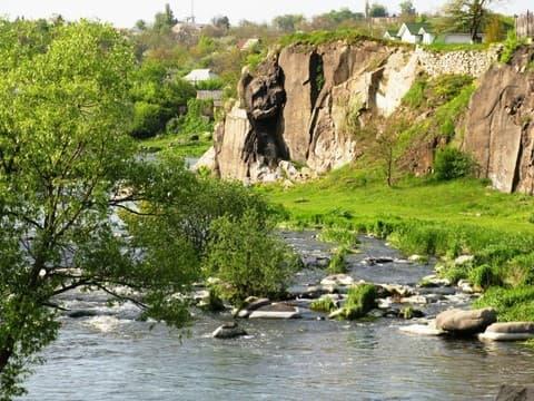 Відшарування богуславських гранітів на Київщині