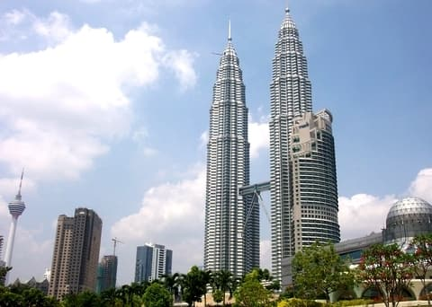"Башни ""PETRONAS Twins Towers"" в Малайзии"