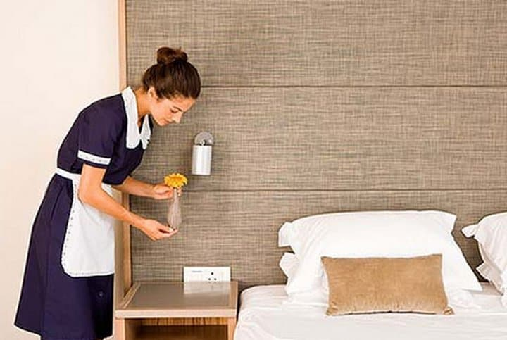 Картинки по запросу Как правильно оставлять чаевые в гостинице?