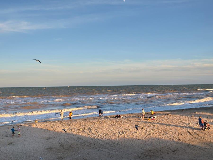 кирилловка отели на берегу моря
